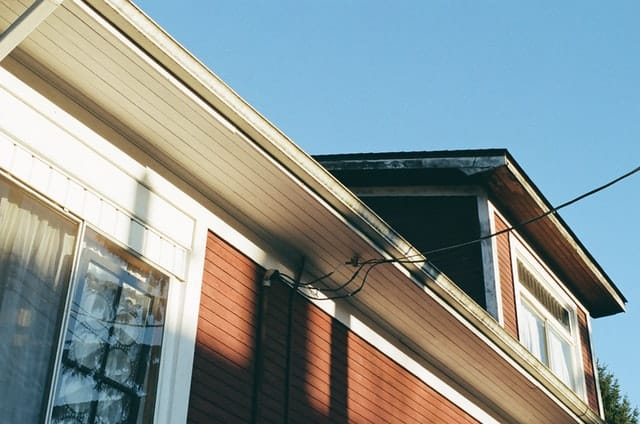 How Do You Clean Manufactured Home Gutters?